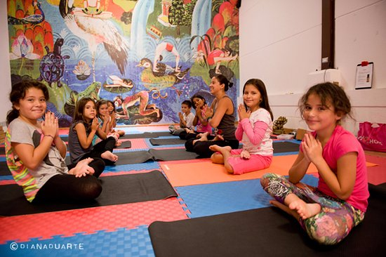 San Rafael de Escazu, Kostaryka: Yoga Kids