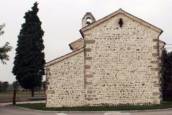 Cappella Maggiore, Italia: Lato Est, tra via Matterella e via Valeria. Nov2016.