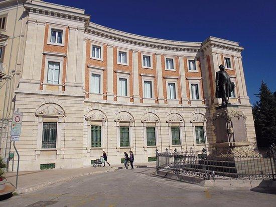 Monumento a Gabriele Pepe