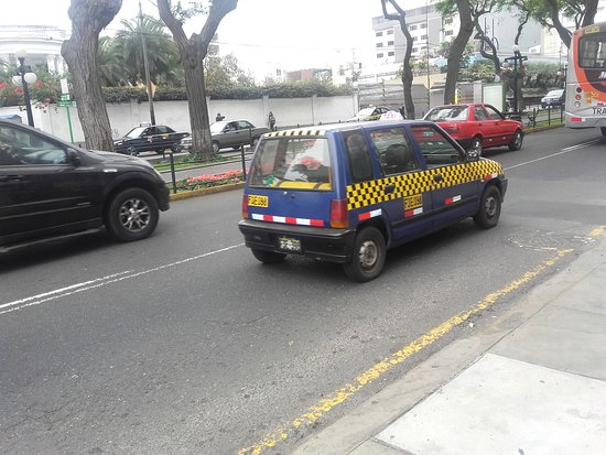 Lima Region, Peru: El simpático TICO (Taxi)