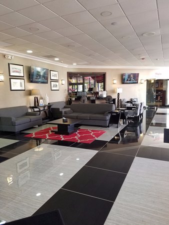 Wheeling, إلينوي: Lobby area
