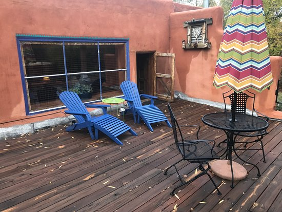 Ranchos De Taos, NM: Violeta-private patio