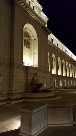 Central Public Library : east facade at night