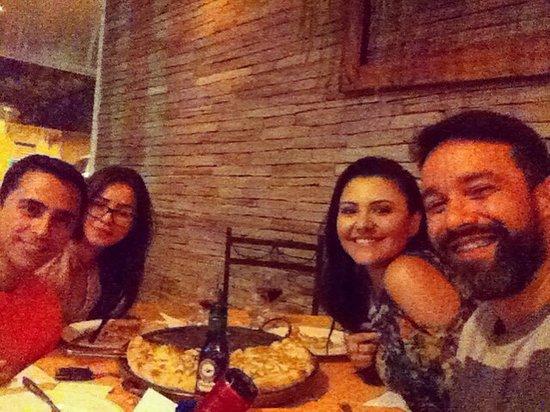 Teofilo Otoni, MG: Pizza maravilhosa com amigos