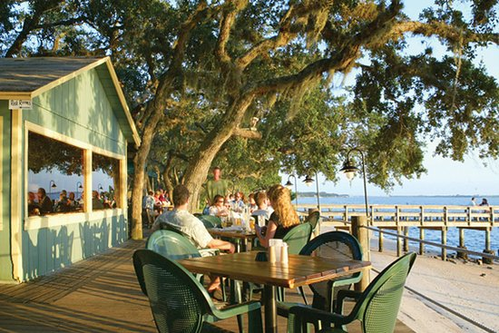 Cap's on the Water - outdoor dining on Vilano Beach