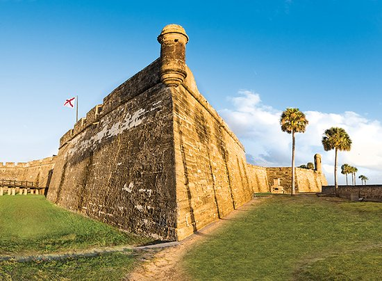 Saint Augustine, FL: Castillo de San Marcos at sunrise