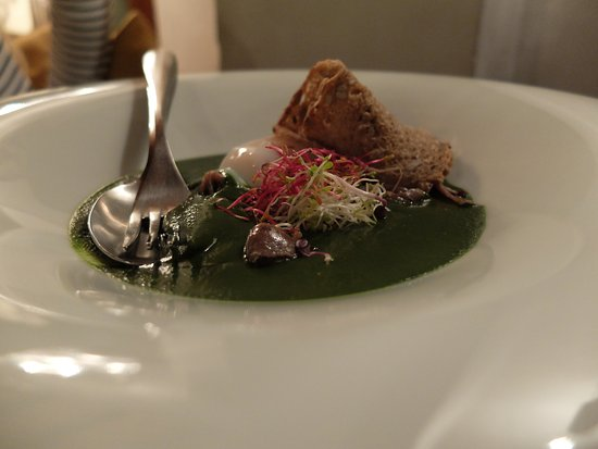 Osteria La Botte Piena: Black Cabage with poached egg