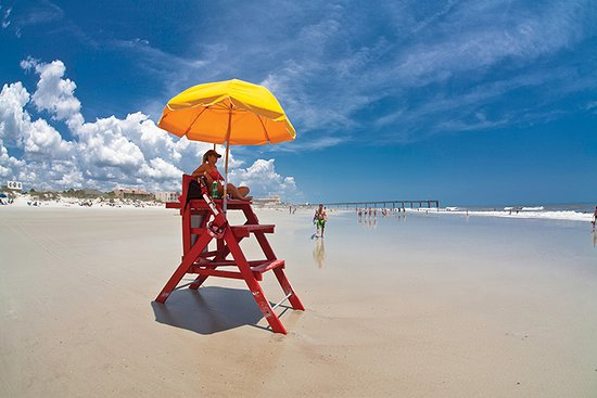 Crescent Beach, FL: Lifeguards on duty from Memorial Day to Labor Day