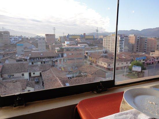 Hotel Mabey Cusco: Fica próximo à estação de trem. Essa área tem muito artesanato e os valores são bem em conta.