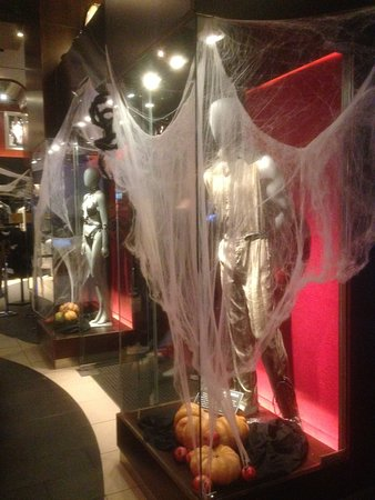 hard rock cafe barcelona atmosfera halloween
