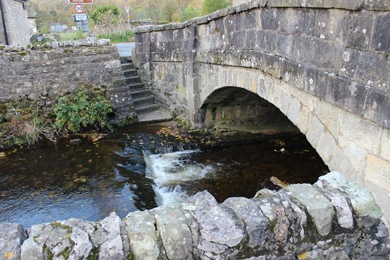 Kettlewell, UK: One of many bridges in the village