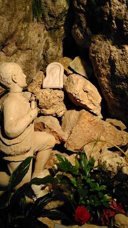 Santuario de la Cueva Santa