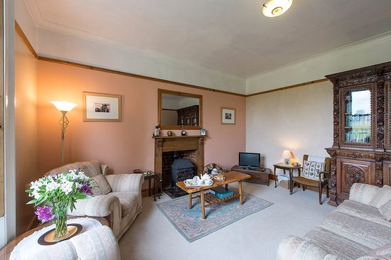 Cleobury Mortimer, UK: Relax in the spacious sitting room