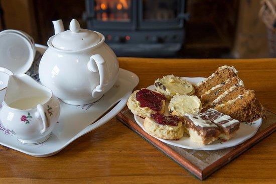 Cleobury Mortimer, UK: Enjoy tea and cakes on arrival
