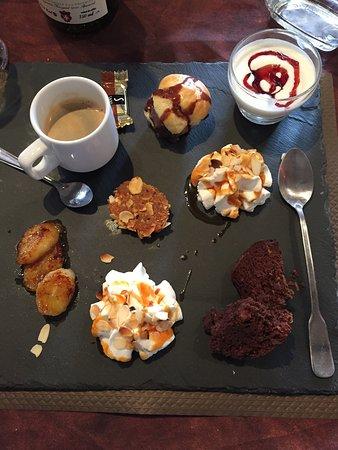 Très bonne table pomme de terre à volonté avec plusieurs dégustation de fromage et le café gourm