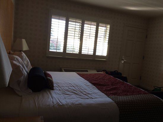 Menlo Park, CA: Very nice spacious room