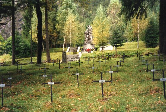 Log pod Mangartom, Eslovênia: Blick in Richtung Denkmal