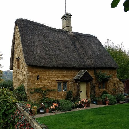 another quaint cottage picture of secret cottage moreton in