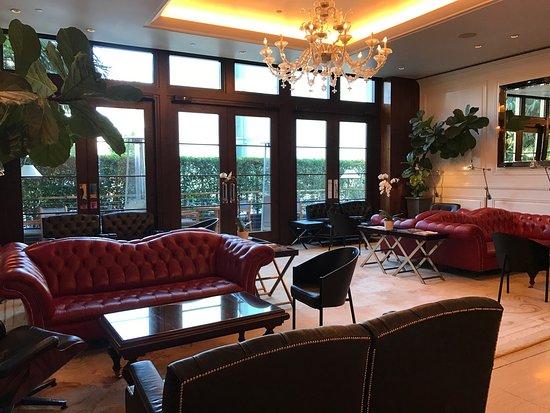 Mr. C Beverly Hills: photo1.jpg