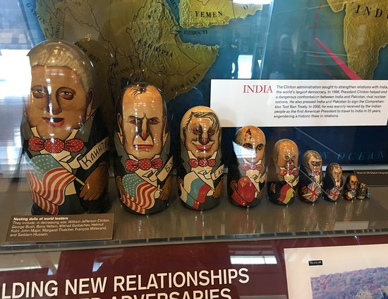 William J. Clinton Presidential Library: Presidential Nesting Dolls