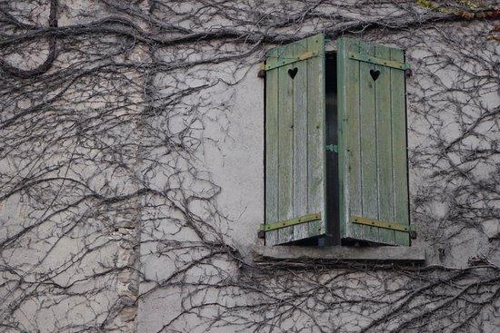 Comps-sur-Artuby, Frankrike: Belle architecture du village de Jabron