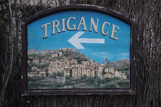 Comps-sur-Artuby, Frankrike: À 15 minutes de Trigance