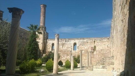 Isa Bey Mosque: Vue d'ensemble