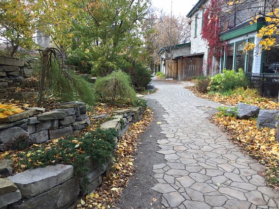 Almonte, Canada: Some of the walk was along pavers