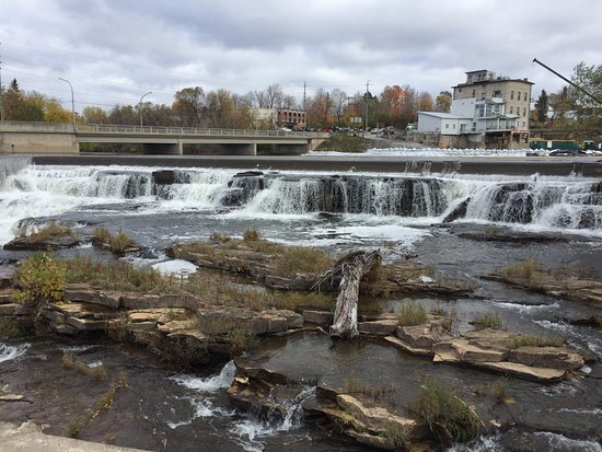 Almonte, Canada: Some of the falls