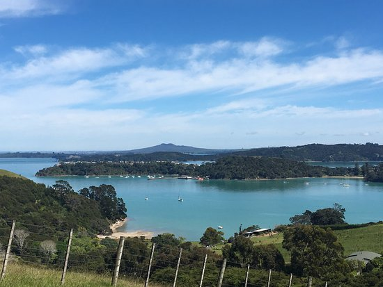 Waiheke Island, New Zealand: View over Rangitoto Island