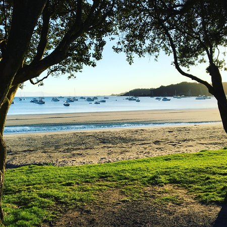 Waiheke Island, New Zealand: Oneroa Beach