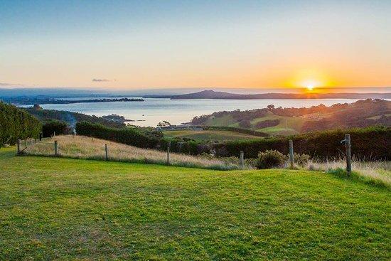 Isla Waiheke, Nueva Zelanda: Rangitoto sunset