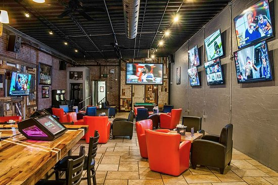 ‪‪Montoursville‬, بنسيلفانيا: Premier sports entertainment & dining! College football, NFL ticket, Stanley Cup, March Madness,‬