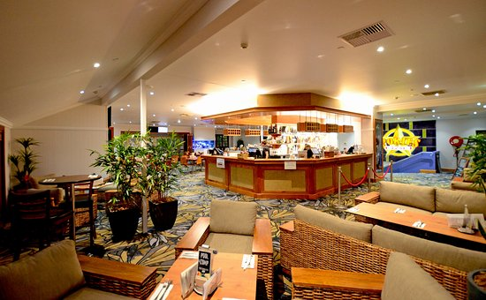 Palmwoods, Australia: Our new island bar is perfect to relax over a couple of cocktails .