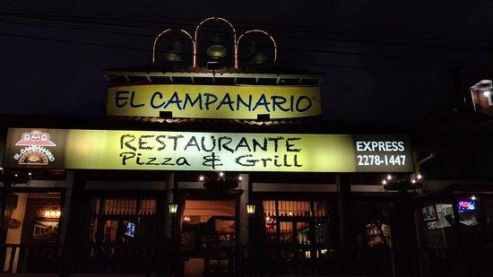 Tres Rios, Costa Rica: Restaurante con parqueos y fácil acceso