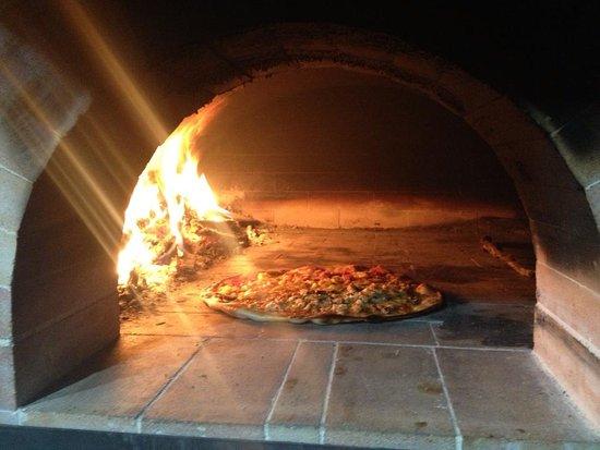 Tres Rios, Costa Rica: Pizza a la leña artesanal