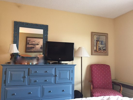 Rockport, ME: The bedroom at Samoset Resort - lovely and relaxing bedroom