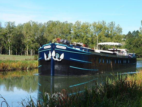 Maconge, France: Our beautiful boat 'Magnolia'