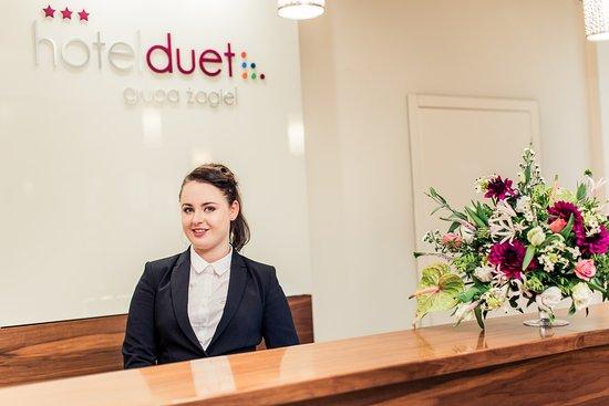 Hotel Duet: Recepcja / Reception