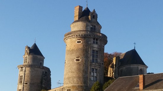 Apremont, France: chateau