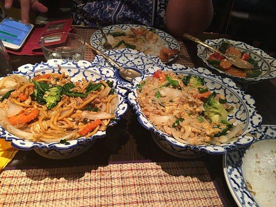 Thai Royal Restaurant: photo0.jpg