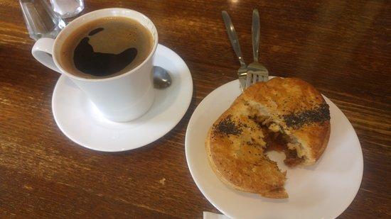 Wentworth Falls, Australia: Breakfast @ Mountain High Pies