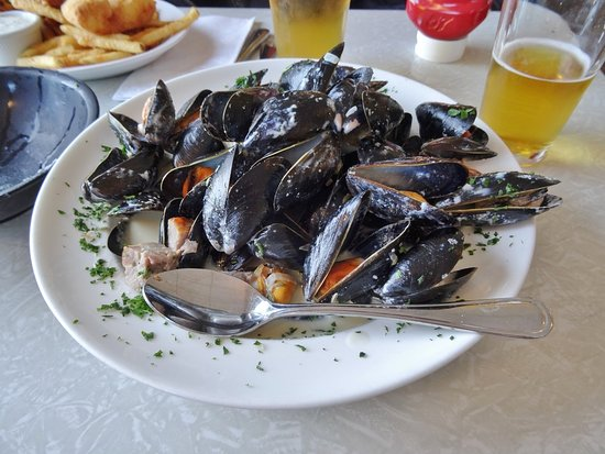 Bubala's by the Bay : Mussels - nicely done