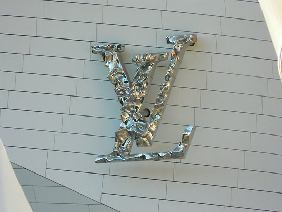 logo de la fundación louis vuitton picture of fondation louis