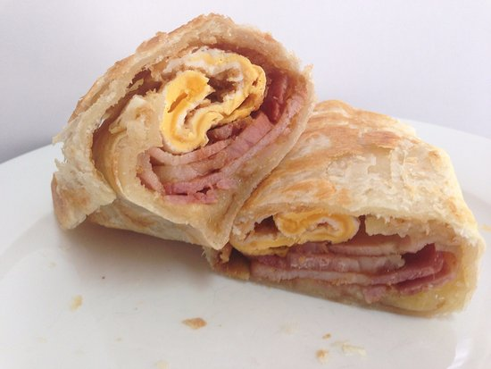 Bentley, Australia: Bacon, Egg & Cheese Wrap