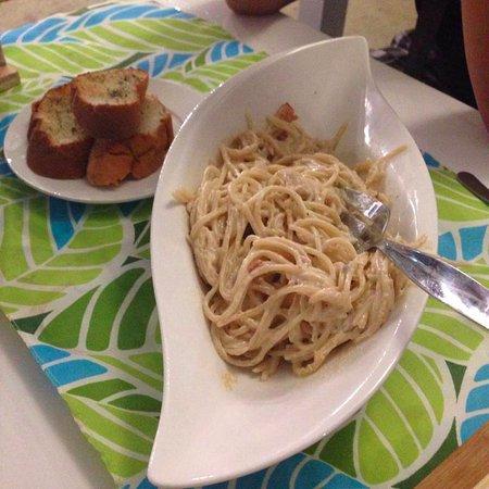 Maasin, Filippinerna: Carbonara good for two.