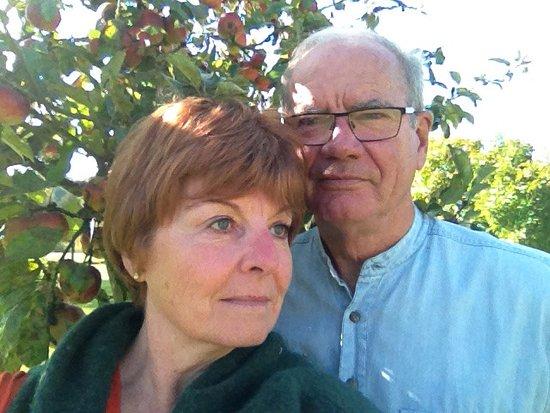Bonneville-la-Louvet, Francia: Vos hôtes - Kevin et Brigitte