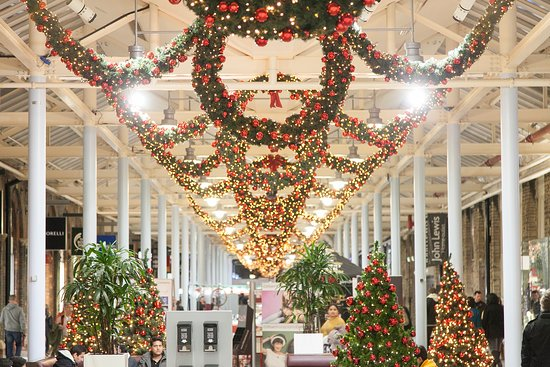 swindon designer outlet at christmas