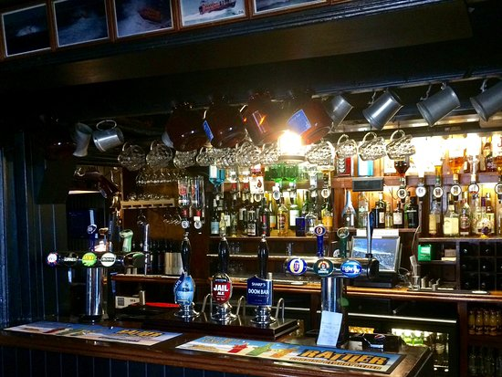 The Sloop Inn: Public bar
