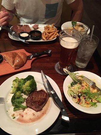 LongHorn Steakhouse Photo